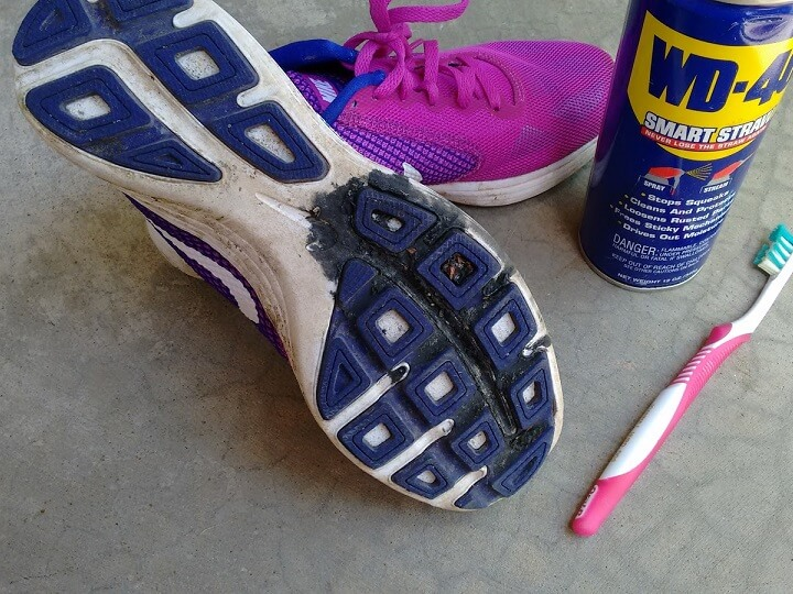 how-to-get-tar-off-shoes
